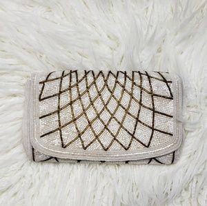 💗HP💗 Vintage handbeaded crossbody clutch